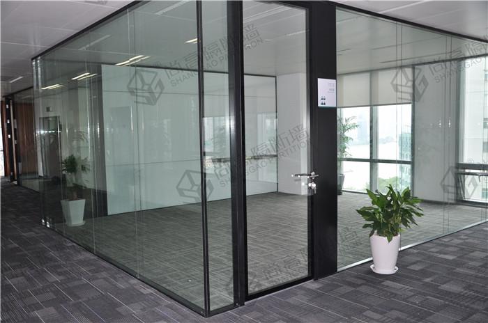 擦玻璃用的布_办公室玻璃隔断如何保养?