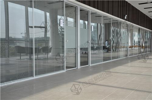 成品玻璃隔断墙到尚高O2O体验馆