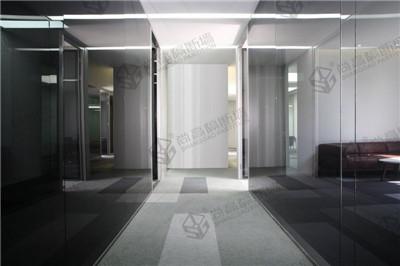 办公室装修百叶隔断或磨砂玻璃隔断,那个您最爱呢?