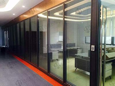 办公室玻璃隔墙打造美好的办公环境