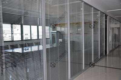 为什么双层内置百叶玻璃隔断更受欢迎