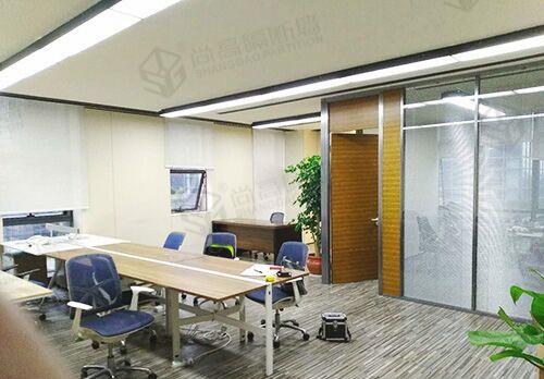 办公室装修中的有框和无框玻璃隔断的区别