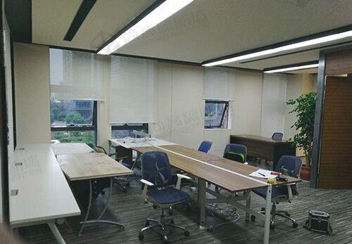 办公室玻璃隔断设计要把握色彩搭配